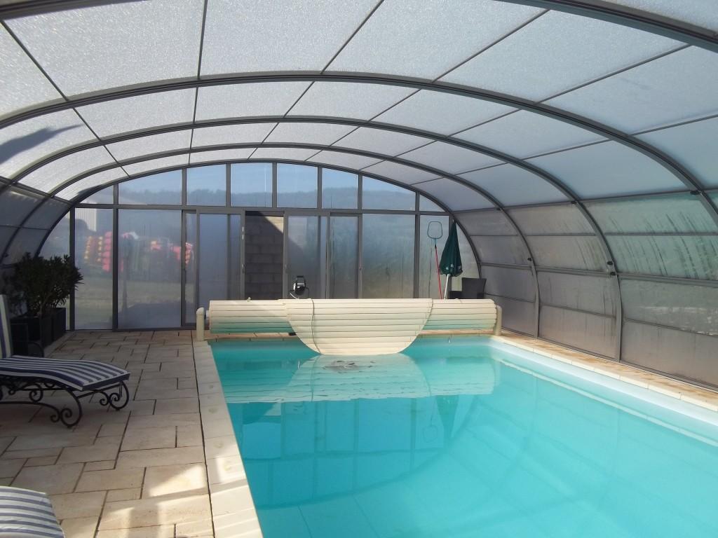 nouvel abri piscine gite rocheflamme